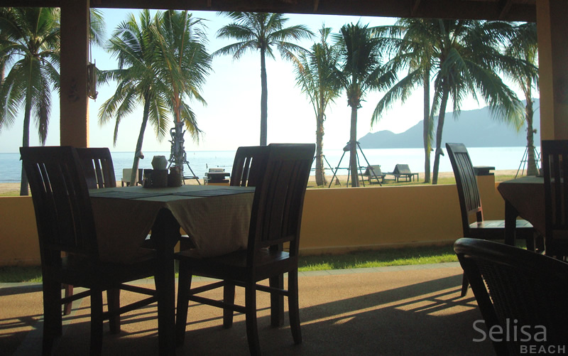 Restaurant with sea view, Selisa beach